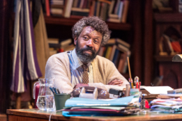 Lenny Henry (Frank) in Chichester Festival Theatre's production of Educating Rita. Credit: Photo by Manuel Harlan.