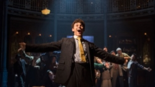 1  Charlie Stemp As Arthur Kipps In Chichester Festival Theatres Half A Sixpence  Photo By Manuel Harlan 43 Block.